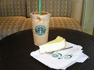 300px-Starbucks_vanilla_frappuccino_and_NY_cheese_cake